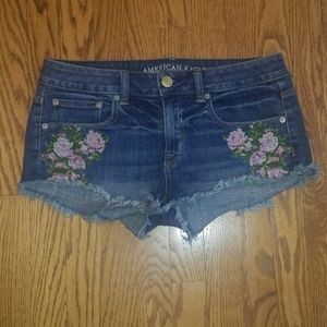 American Eagle hippie embroidered denim shorts 6